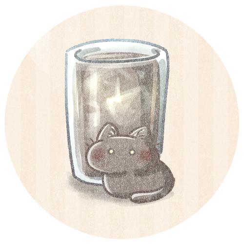 ブラックコーヒーと小さい黒猫